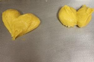 cream_puffs_heart_on_right_in_progress
