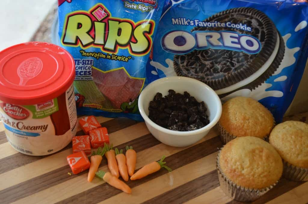 Carrots_in_the_dirt_Oreo_Cookie_cupcakes_shared_photo_#1
