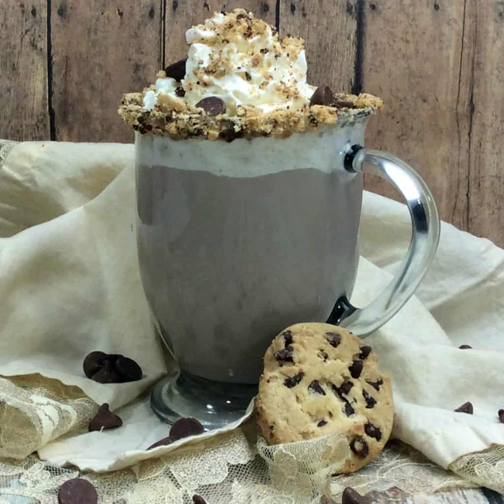 Boozy Kahlua Chocolate Chip Cookie Cocoa