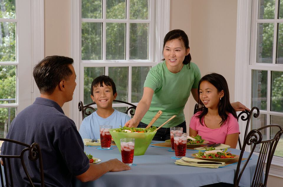 Why You Should Prioritize Family Dinners