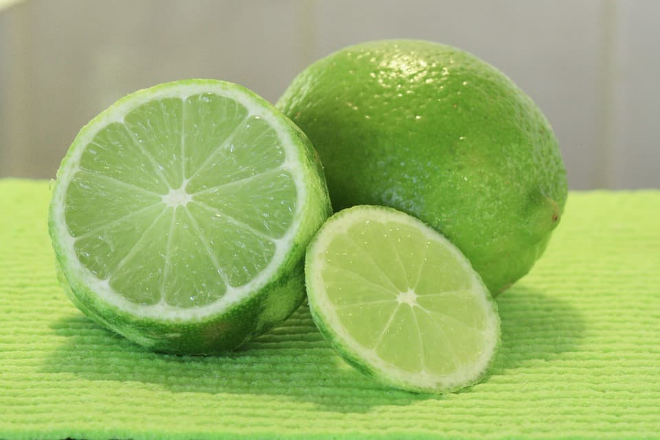 What is the Difference Between Limes and Key Limes?