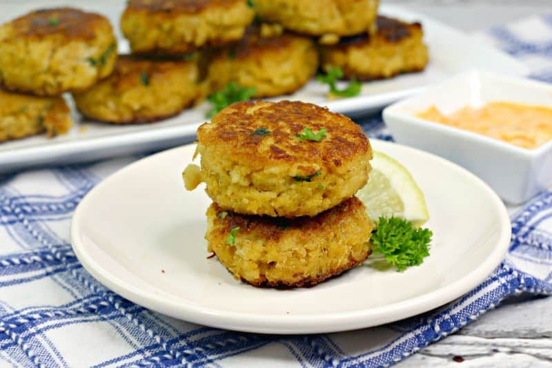 How to Make Crab Cakes with Canned Crab